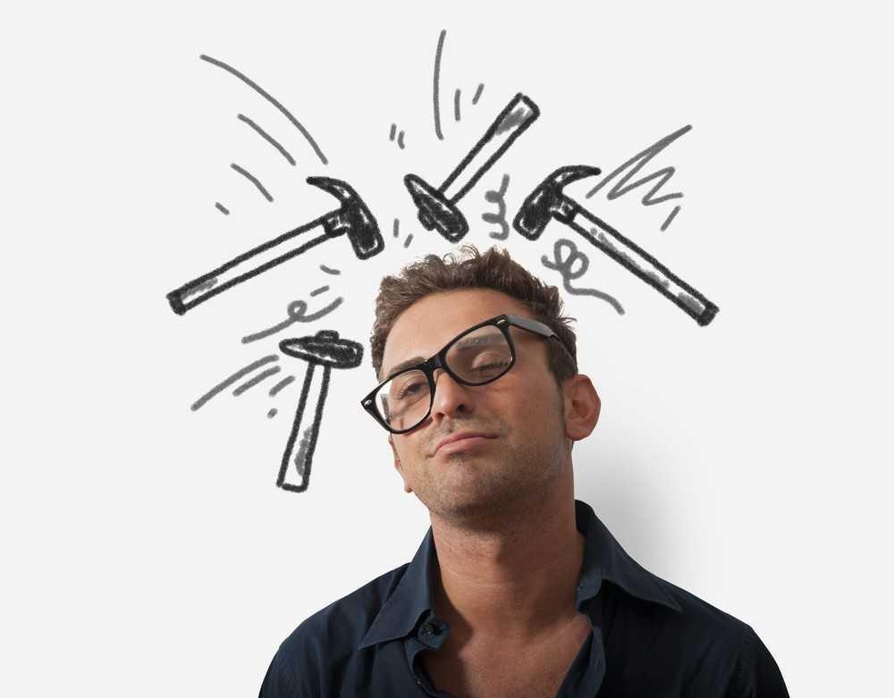 Легкий массаж акупрессурных точек будет отличным вариантом, если головная боль застала вас в неподходящий момент