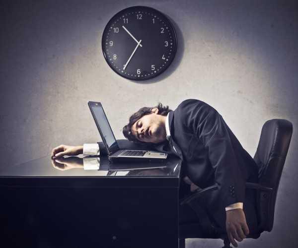 Небольшой дневной отдых может очень хорошо сказаться на дальнейшей активности в течении дня