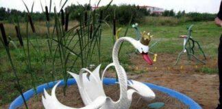 лебедь из покрышек фото