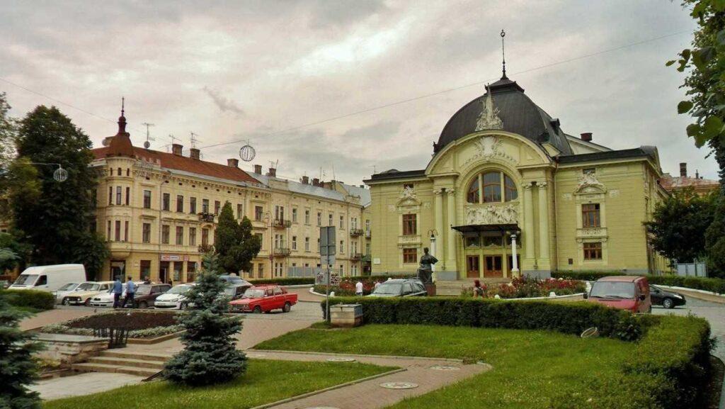 театр в Черновцах